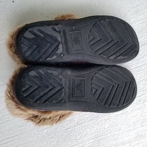 isotoner Shoes - Isotoner slippers faux fur 8.5 - 9 lounge wear